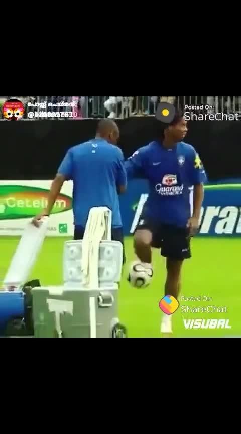 mass Brazilian striker... Ronaldicho..😊👍
