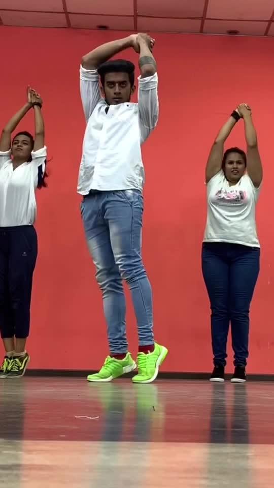 Dance practise 🖤 #roposo #roposo-style #roposo-dance #dance