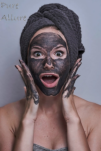 Love chocolates? Enjoy the goodness of chocolate in a face mask by Fuschia. This face mask is enriched with raw cocoa powder which protects your skin from environmental damage and the chocolate essential oil delays signs of aging. #slsfree #parabenfree #parabensfree #phthalatefree #mineraloilfree #nottestedonanimals #madeininda #made_in_india #crueltyfree #crueltyfreebeauty #fuschia #fuschiabyvkare #fuschiavkare #natural #handmade #mask #facemask #chocolate