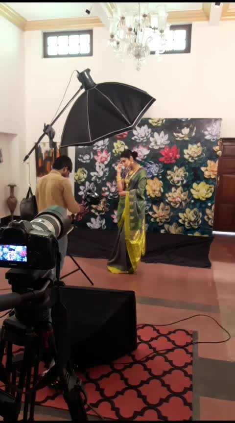 behind the scenes jewellery shoot #jewelry #fashionstylist #lovemyjob #ganeshvyas #fashionjewellery #indian #sexy-saree #banarsisaree #indianjewellery