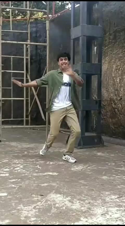 catch my latest choreography on #mainwahihoon by #raftaar  #raftaarmusic  #raftaar_rap #karma  #zeemusiccompany  #zeemusic  #raftaarsong   Acha lga toh like and comment karien  #dance  #roposo-dance  #best-dance  #poppingdance  #housedance #bestdancer #bestdancing #roposodancer #roposodance #roposodancing #housedancer #roposo-video #video #videooftheday #videooftheweek #bestvideo #bestvideos #rapdance #popdance