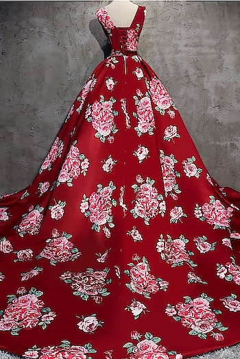 Ready to wear Red full flaired prom gown  All size available XS to 7XL Visit on www.younari.com  #fashion #promgowns #partywearonline #onlineshopping #sale #ethnicwear #bridalwear #longgown