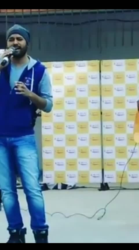 #terigalliya #liveperformance #instavideo #instadily #videooftheday #ankittiwari #ekvillian #bollywoodcovers #indiankalakar #talentswag #indiansingers #musically #recs