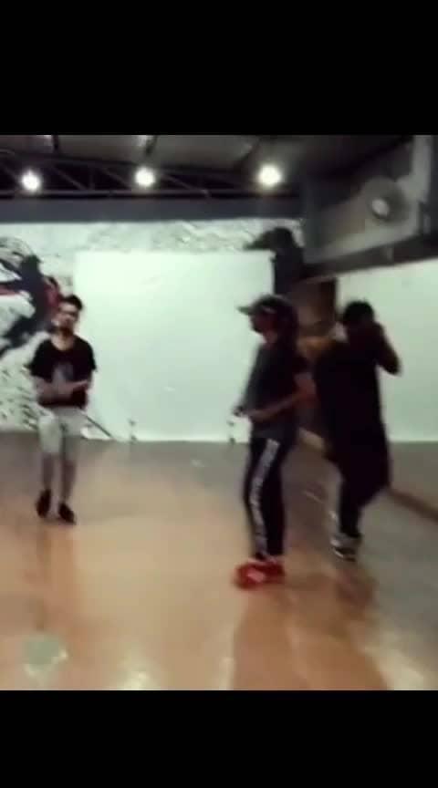 #chikkuchikku #folkbeat #roposo-dance #oyileoyile #1millionaudition #groupdance