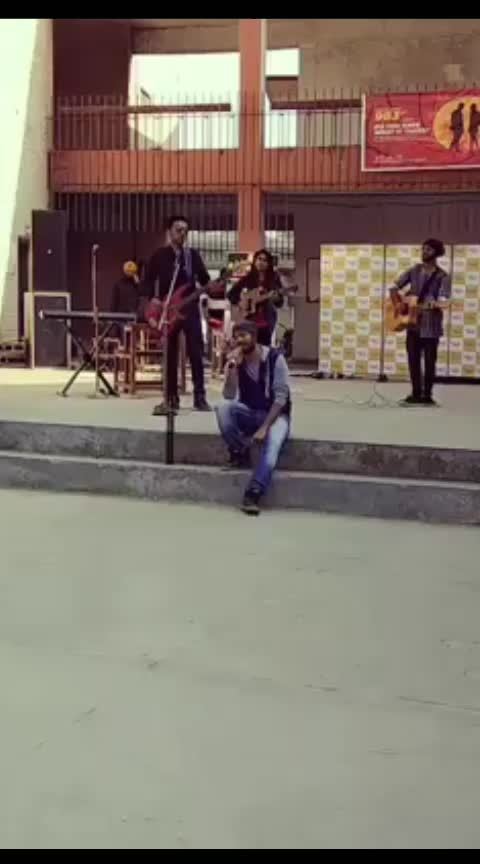 #liveperformance #musically #peaceful #moments #gig #bollywoodcover #talentswag #indiankalakar #indiansingers #hotvocals #coverbyme #gigmoments #recs #roposo #trendingonroposo
