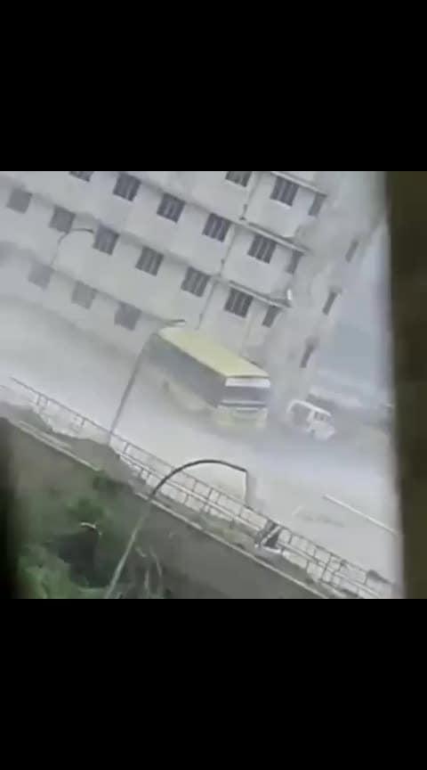 Vairal video cyclones efdeo