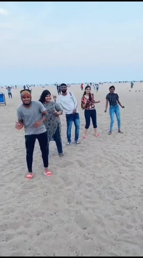 dance with squad 💃🕺💕 #roposo-dance #roposo-tamil #roposo-hindi #mahibhai #cbe #coimbatore