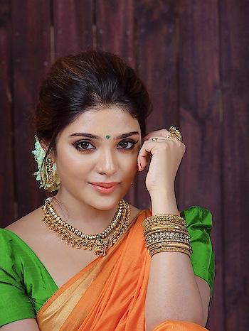 Aathmika #southindianactress #aathmika #tollywoodactress #tollywood #indianactress #indiangirl #indianmodel #saree #southactress #indianbeauty #actress #jewelry #jewelryaddict