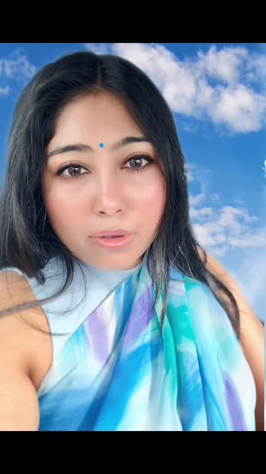 That moment when everything stays still but your thoughts 💭 #sareelove #sareelovers #saree #sareefashion #sarees #sareenotsorry #bindi #bindilove #blue #blues #bluehues #sky #bluesky #indianfashion #indianethnicwear #indianlook #beingindian #nzblogger #aucklandblogger #foodfashionandfunwithsonal #eatpraylove #indian #indianclothes #fashionblogger #fashion #fashionblogger #indianwear #ethnicwear #indianethnic
