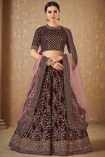 Beautified Lehenga Choli Prefect for occasion wear ♥ Price:- 4555/- For Similar Visit 👉 https://bit.ly/2VBkVLC To Order WhatsApp us (+91) 8097909000 * * * #lehengas #weddingwear #bridalwear #partywear #partywearlehenga #indianwedding #desiwedding #bride #desibride #indianbride #garba #navratri #designer #onlineshopping #wedding #ethnic #beautiful #blue #blouse #elegant #US #usa #internationalshipping #worldwideshipping