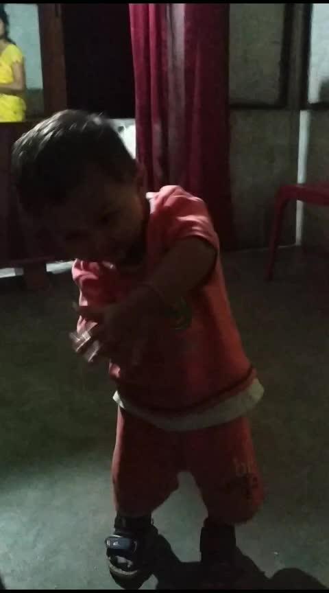 baby danching
