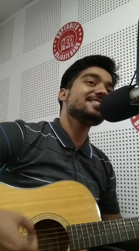 SONG :- ILAAHI (Yeh Jawani hai diwaani)  Radio Mirchi 93.5 FM Bajaate Raho . . #nextsingingstar  . . #music #radiomirchi #singer #lovesongs #singinig #live #arijitsingh #blessed #me #support  . . ❤️🎶