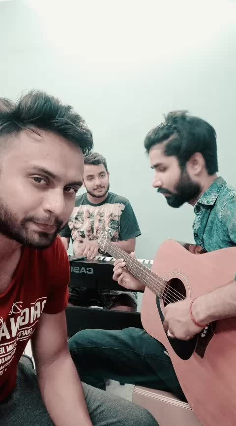 Emptyness (Gajendra Verma) Like//Share//Comment//Follow #roponess #ropo-ropo #risingstar #beats #roposo-beats #musiclly #gajendraverma #bollywood #roposocoins #followrules #singer #roposo-music #ropo-with