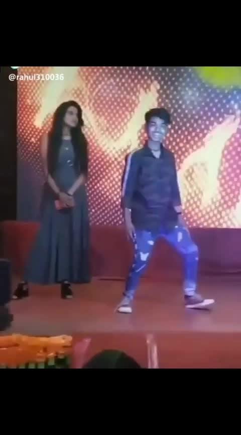 kese dance kr rha h ye😂😂😂😂#haha-tv #roposo-comedy #comedydance #roposo-dancer #teripyaripyaridoankhiyan