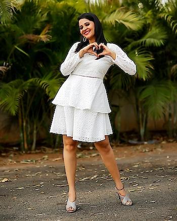 Anasuya Bharadwaj #anasuyabharadwaj #southindianactress #whitedress #whitefashion #middie #shortdress #tollywood #kollywood #teluguactress #indianactress #indianmodel #hotgirl #beautifulgirl #beautifulactress #southindianwoman