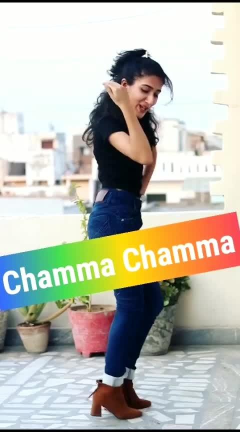 Chamma Chamma 😍🔥 #chammachamma #nehakakkar #eliavram #roposo-dance