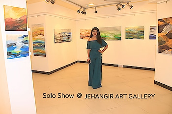I believe happiness n joy can be shared anytime! So cheers ..sharing pic of my solo exhibition of paintings at the Jehangir Art Gallery, Mumbai the most prestigious art gallery of India :) #roposo#rashmipitre #rashmipitreart ##actress #painter #speaker #fun #topposts #starcelebrity #followers #lovemywork