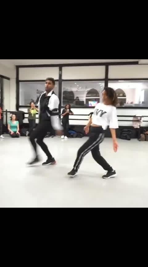 Oh Mere Makhna 😍😍🔥🔥 Follow 👉 @Filmydance for more Perfomer: @jeya_raveendran 💃@leena_lplp Shot by: @kanath_vfx Song 🎵: Makhna @yyhsofficial @singhstamusic • • #makhna #nehakakkar #punjabisong #dance #dancers #bollywooddance #ritikkaushal #viral #indiandance #yoyohoneysingh #choreographer #punjabidance #dancelove #Filmydance