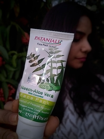 Here's my short review on  patanjali Neem Aloe Vera face pack. Suitable for: Acne prone/Oily/Combination SKIN. Cost: Rs. 60. Qty: 60gm. Herbal/Chemical?: BOTH (contains Parabeans). Does it work?: YES!! My experience:  My skin was fresh and there were no signs of oiliness after washing my face. 😌 But results were clearly visible on the next Day . I woke up with a radiantly glowing, soft and supple skin. More importantly my acnes were dried up 😁🤗. Do try this product, and its totally Affordable 😉  #ropo-beauty #roposoblogger #roposoblogs #blogger #bloggerdiaries #beauty reviews  #productreviewoftheday #productreviewblogger #potd #roposotalenthunt #roposostory #fashionbloggerindia #bengalurublogger #blogging #bloggerdiaries #blogshoot #bloggerofindia #bloggernetwork #bloggercommunity #fashionista #fashioninfluencer #ropo-good  #fashionquotient