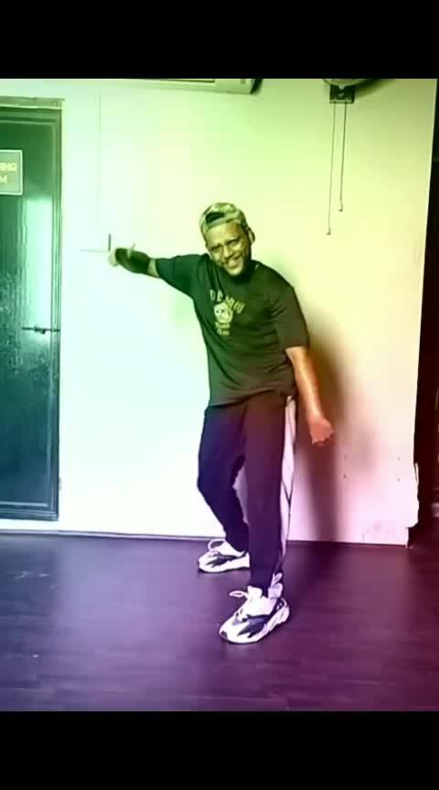Surma Kaala🤩🤩 #roposo #roposodance #dance #roposo-beats #beats #risingstar #roposostar #surmakaala #jassigill