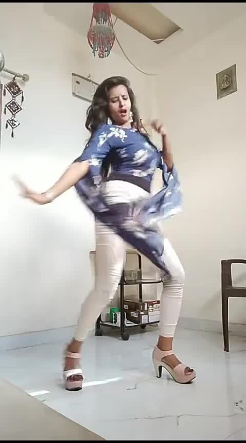 #roposo-dance #roposo-bollywood #bollywood-tadka