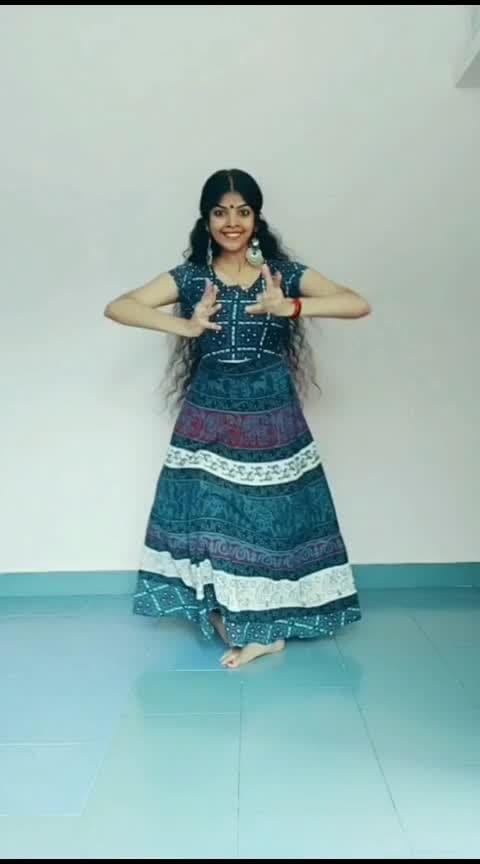 azhaku.. #risingstar #tamilsong #azhagu #classicaldance #classicaldancer #lyrical #athirasajeev
