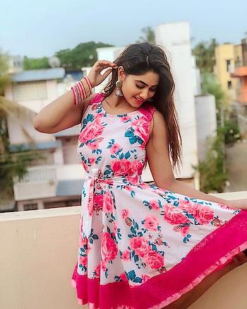 Shivani Narayanan #shivaninarayanan #southindianactress #tamilactress #kollywood #kollywoodactress #floraldress #floral #indiangirl #indianmodel #actress #fashion #style
