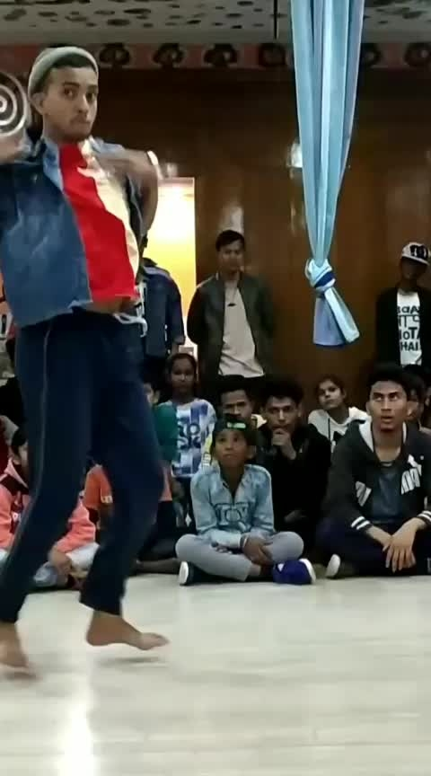 #real-one #onemore #nexttime #loreal #dance #roposo-dance #followme #best-song #oon