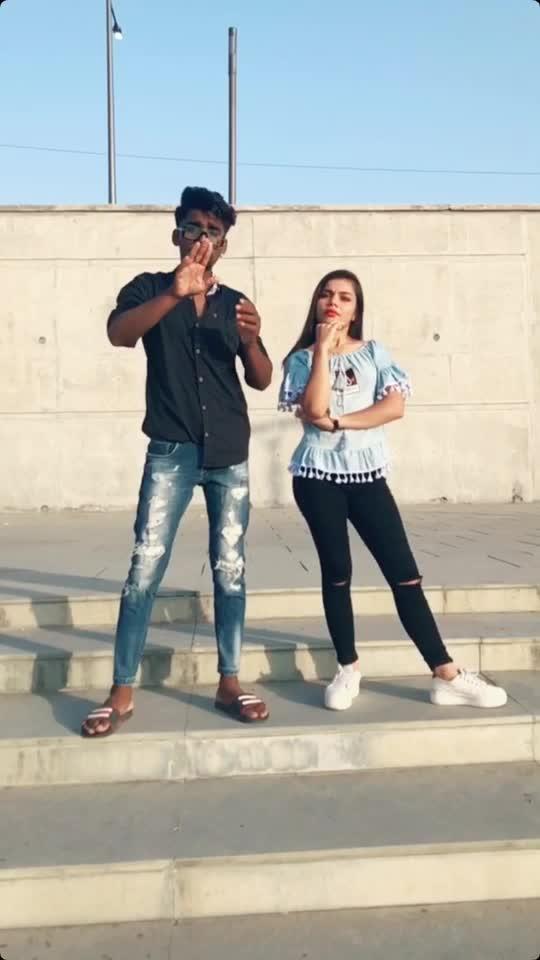 Bhai to bhai 6 , shear kare do video 🔥 #roposo-foryoupage #foryoupage #maulikfam #roposo-foryou #foryou #futureme #gujjukisena #roposo-rising-star-rapsong-roposo #ropososuperstar 🤩🔥