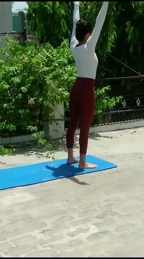 Backband 🤸 #roposo #roposochannel #roposostar #viralvideo #dance #fitness #workout