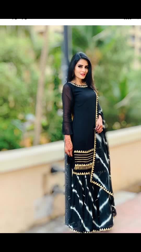 A smiling face is a beautiful face A smiling heart is a happy heart 🖤🖤🖤🖤🖤 : : More Pic ...Eid Outfit ☪️💫🌙 : : #eid #eidmubarak #eidspecial #eid2019 #eidoutfit #eiddress #Black #blacklove #tiktok #tiktokindia #eidfashion #festival #festivalfashion #festivalvibes #chand #happyeid😊 : : #missmermaidasiainternational2019 #RehaaKhann #DohaQatar #MyDubai  #AmchiMumbai #RehaaKhannBlogger #RehaaKhannQueenlife #RehaaKhannPublicfigure #RehaaKhannStylefile #RehaaKhannFashion #RehaaKhannWithclass #RehaaKhannFans #Actress #Model #Bollywood #Tollywood #Pollywood #Business #Person #Media #Production🏡