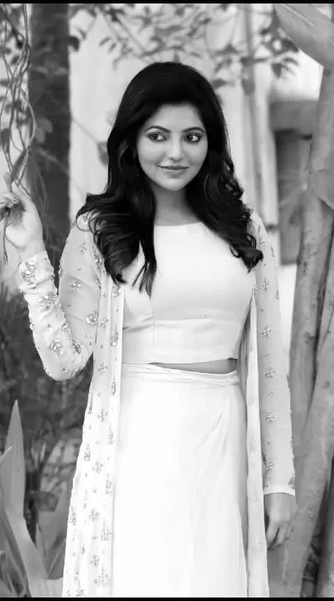 #yuvanism #yuvanmusical #yuvanshankarraja #lyricsvideo #30secvideostatus #30sec #lyrics_status #roposo-tamil #tamil-actress #tamillyricsstatus