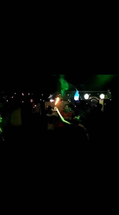 #baraat #desi-dance #stunts #fireworks #dancemoves #dancelovers #djmusic #fire 🔥🔥