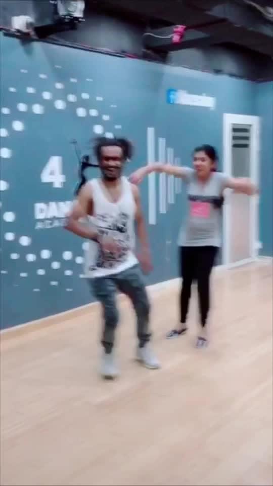 #manichettan #dance #roposostar #beats #roposo-rising-star-rapsong-roposo #roposodance #dancerlife
