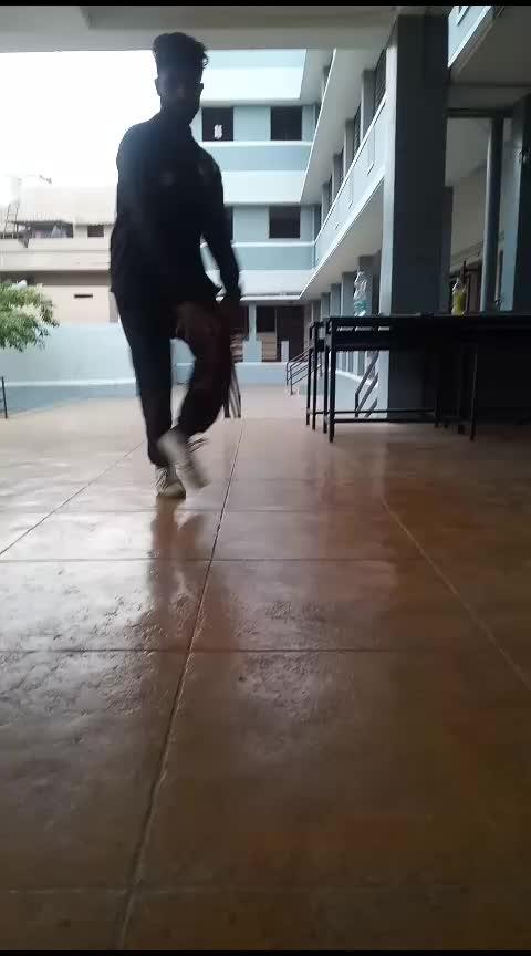 footworks  #bboy  #roposoness  #tamilanadu  #roposo-dancer  #dancelife #feturethis  #featureme