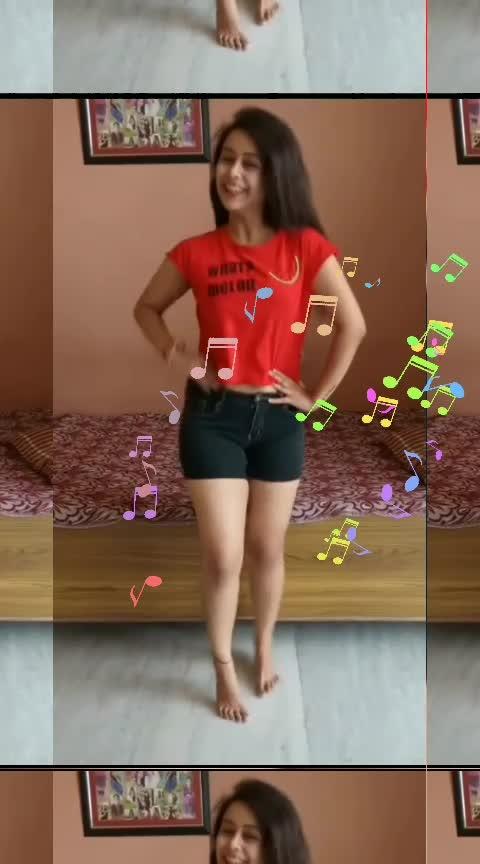 #roposo-dance #desi-dance #desi-ledy