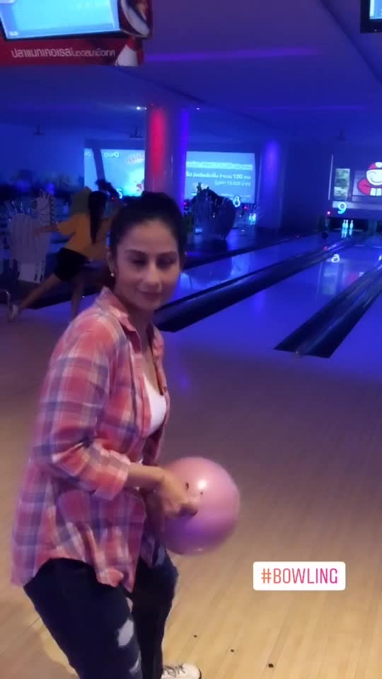 Don't miss the chicken dance in the end. #chefmeghna #bowling #fun #funtv #funtimes