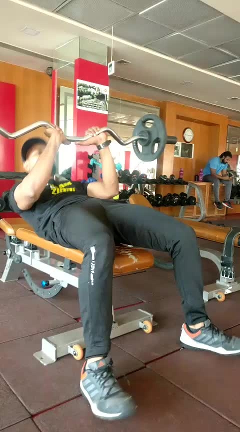 Flat bench Ez barbell French press #15  rips#jp_fitness_trainer #jsfitnesszoneyoutubechannel #jsfitnesszone #roposo #roposostar #risingstar #roposocamera #roposomodel #roposoacting #roposo-good-comedy