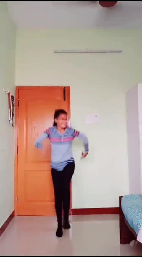 kannum kannum nokia💜💃#chiyanvikram#eidmubarak#favsong#risingstar#mohana #mohanadancevsdance#roposo-dance#roposo-dancer#roposo-tamil#roposo-india