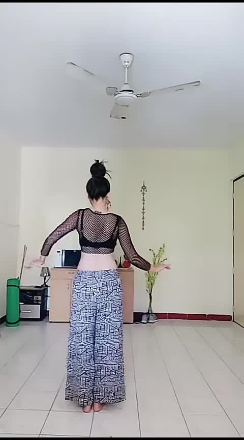 #hot-figure-dance