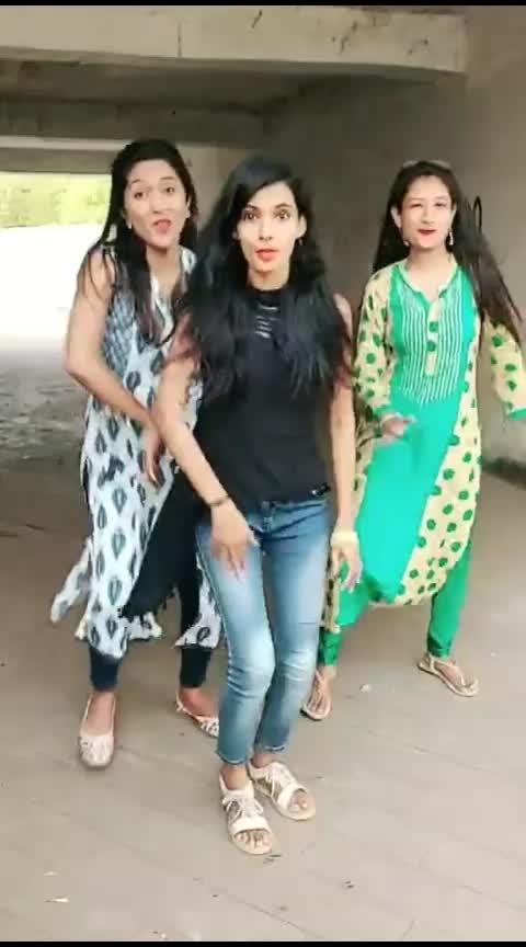 Ravji  😜 @snehars01  @sweetsoni06  #marathimulgi   #mimarathi   #marathiswag   #marathiroposo   #roposo   #marathisong   #danceindia   #marathidance   #funtimes   #marathi   #malyachya #old-is-gold-songs