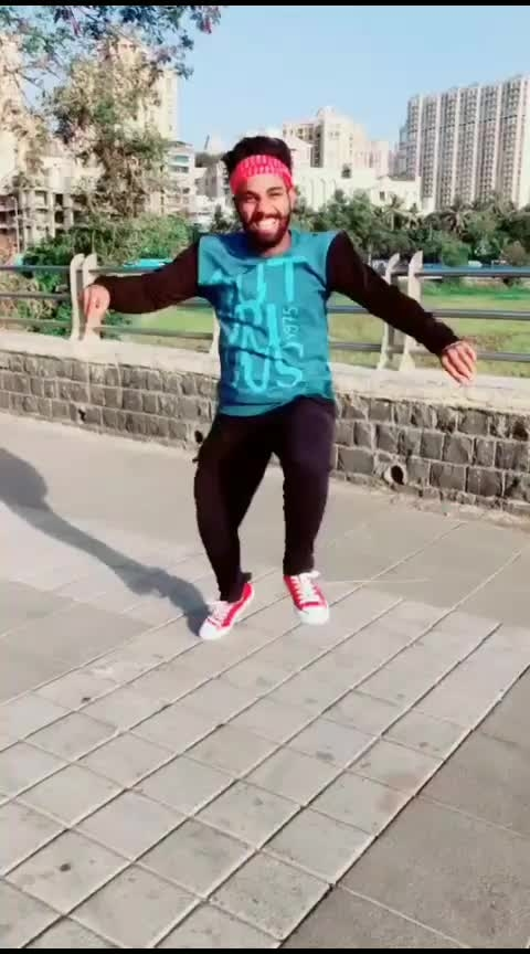 this music😌❤️#roposo-dance #roposo-beats #roposo-wow #roposo-star #roposo-trending #roposo-daily #roposo-foryou #roposo-dancers #roposo-tv #roposo-contest #folkdance #roposo-wow-indian