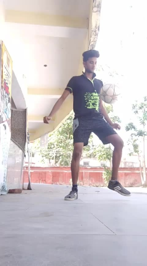 crazy control #wowchannel #sportstvchannel #freestylefootball #tekkers #gabru_channel #roposo-foryoupage