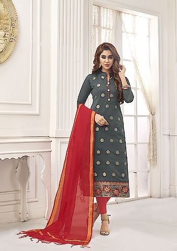 Shine Bright Wearing This Cotton Straight Suits Collection ♥ Price:- 1300/- For More Similar 👉 https://bit.ly/2URF4kf To Order WhatsApp us (+91) 8097909000 * * * * #salwar #salwarsuits #dress #dresses #dressmaterial #chiffondupatta #suitswithdupatta #suitsonline #embroidered #printed #straightsuits #dupatta #designerdupattaonline