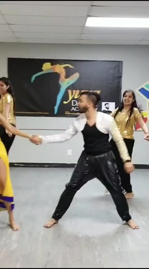 #ankhmarey #bollywooddance  #fullonmasti #youtubecreator #likesharecomment  #followme #aankhmarey #simmba