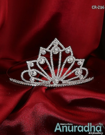 Dazzling Collection Of Hair Crown. Get more designs on this link: https://bit.ly/2wR1xiS . . . . . . . . . . . . . . #crown #girlscrown #goldencrown #fashionjewellery  #fashion  #jewellery  #artificialjewellery  #AnuradhaArtJewellery #DellMostTrustedBrand #scosummit2019 #spufromtoday
