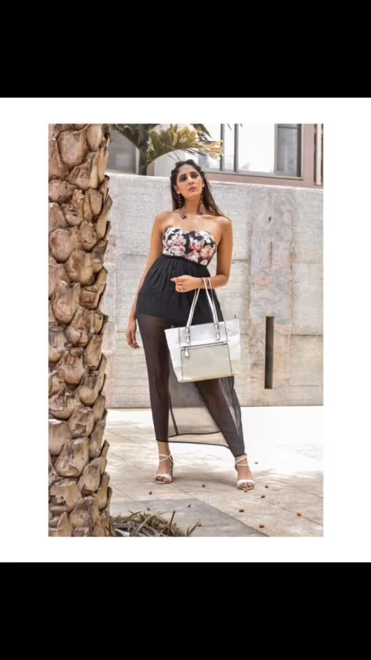 Effortlessly cool and unexpected, @carltonlondonindia is a collection of essentials for your every day (and beyond). // bag:- @carltonlondonindia ⠀⠀⠀⠀⠀⠀⠀⠀⠀⠀⠀⠀⠀⠀⠀⠀⠀⠀⠀⠀⠀⠀⠀⠀⠀⠀⠀⠀⠀⠀⠀⠀⠀ ⠀⠀⠀⠀⠀⠀⠀⠀⠀⠀⠀⠀⠀⠀⠀⠀⠀⠀⠀⠀⠀⠀⠀⠀⠀⠀⠀⠀⠀⠀⠀⠀⠀⠀ ⠀⠀⠀⠀⠀ ⠀⠀⠀⠀⠀⠀⠀⠀⠀⠀⠀⠀⠀⠀⠀⠀⠀⠀⠀⠀⠀⠀⠀⠀⠀ ⠀⠀⠀⠀⠀⠀⠀⠀⠀⠀⠀⠀⠀⠀⠀⠀⠀⠀⠀⠀⠀⠀⠀⠀⠀⠀⠀⠀⠀⠀⠀ ⠀⠀⠀⠀⠀ ⠀⠀⠀⠀⠀⠀⠀⠀⠀⠀⠀⠀⠀⠀⠀⠀⠀⠀⠀⠀⠀⠀⠀⠀⠀⠀⠀⠀⠀⠀⠀⠀⠀ @jayu_photography_  @deep_photography___  @muasakshi_ @muasurbhi  #whitebag #bag #classybag #totebag #carltlondonindia #cream #bag #londonbrand #london #handbag #poser #mahhimakottary #whitebag #purse #totes #bagfetish #bagbrand #india #tanned #holiday #chic#photography #