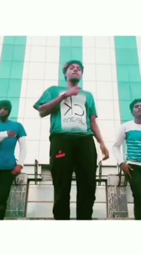 #eidmubarak #neruppe #vettaiyadu_vilayadu #roposo-dance #risingstaronroposo