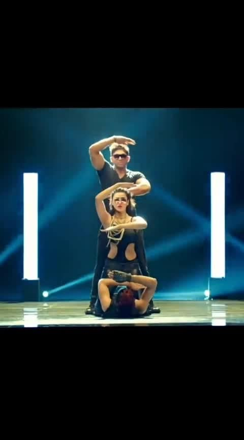 Down Down Song #alluarjun #alluarjundance #shruthihassan #racegurram #hip-hop #robotics #downdowndappa