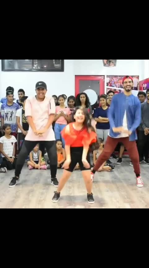 #Throwback Song : Tere Naal Nachana Performer : @hunar_rocks Choreography : @vijay_akodiya . . . #dance #dancer #lovedance #dancelove #lovedancing #dancelover #bollywood #bollywooddance #bollywooddanceroutine #swag #girlsswag #terenaalnachna #choreographer #choreography #indiandancefederation